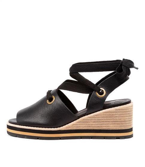Gyro Tan Leather by Mollini