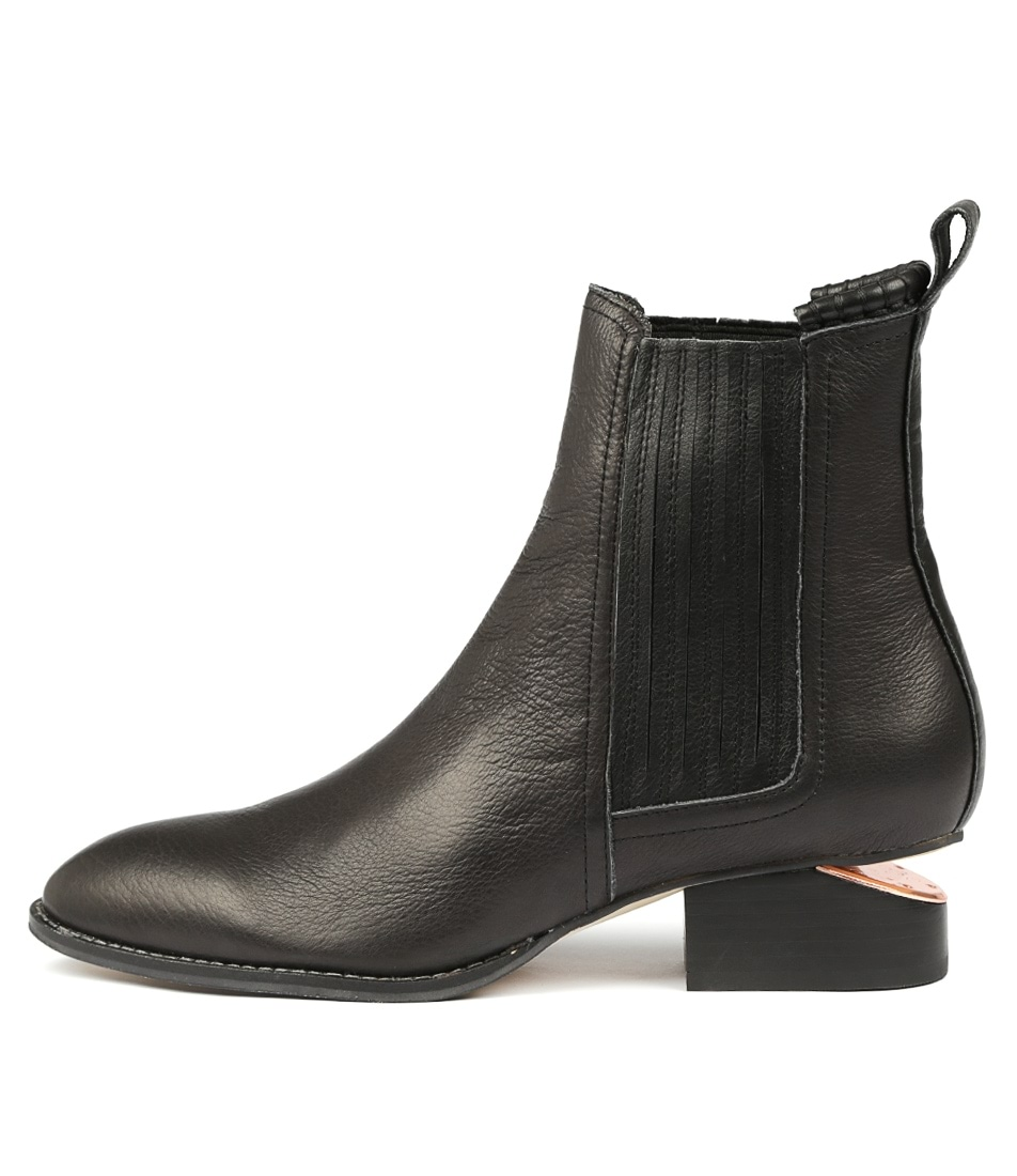 f26300d68a3 isoly black leather